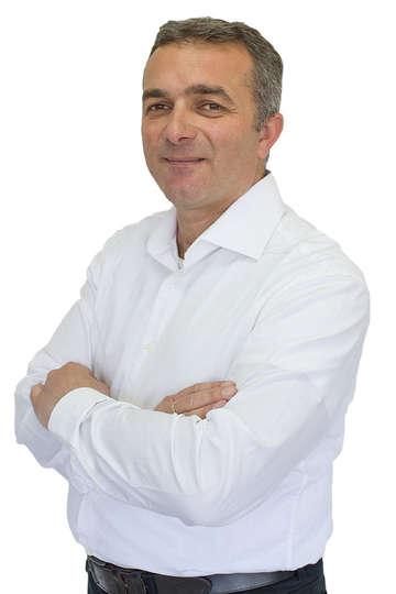 Γιώργος Αμπατζής . Καθηγητής ΙΕΚ PRAXIS. Βιολόγος. Καθηγητής κλάδου ΠΕ 04 στη δευτεροβάθμια εκπαίδευση, διδασκαλία Βιολογίας, Φυσικής, Χημείας.