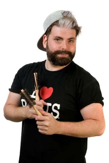 Δημήτρης Αναστασιάδης. Καθηγητής ΙΕΚ PRAXIS. Hair Cut & Color Styler (Κομμωτής). Σπούδασε Τεχνικός Κομμωτικής Τέχνης στο ΙΕΚ PRAXIS.