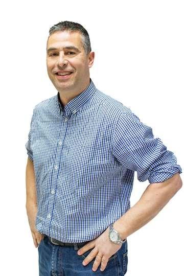 Νίκος Γκούρλιας. Καθηγητής του ΙΕΚ PRAXIS. (M.Sc.) Διοίκηση Τουριστικών Επιχειρήσεων. Εισηγητής - Καθηγητής Ε.Κ.Δ.Δ.Α. Εργάζεται στην MAGNA MARINE.