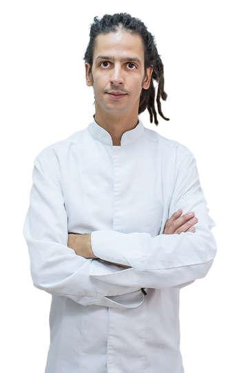 Χαράλαμπος Ζιντίλης. Καθηγητής ΙΕΚ PRAXIS. Διπλωματούχος Αρτοποιός – Ζαχαροπλάστης. Pastry Chef στο Restaurant Zurbaran, Αθήνα.