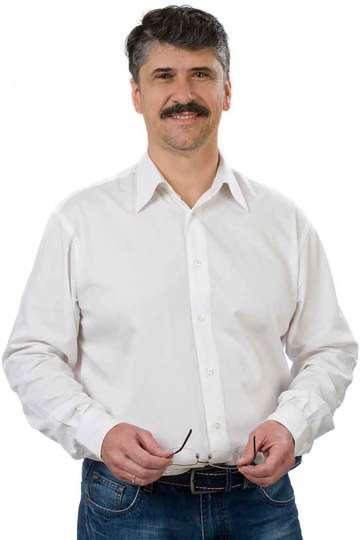 Στέφανος Καπετανάκης. Καθηγητής του ΙΕΚ PRAXIS. Μηχανικός Οχημάτων. Πτυχιούχος Μηχανικός Οχημάτων Τεχνολογικής Εκπαίδευσης.