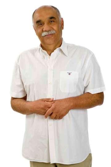 Γιώργος Κωστάλας. Καθηγητής ΙΕΚ PRAXIS. Ιατρός. Πτυχιούχος Ιατρικής Σχολής Πανεπιστημίου Cluj-Napoca Ρουμανία. Ειδικότητα: Παθολογία.