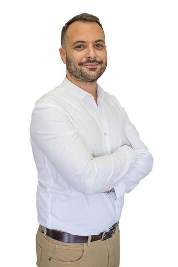 Θάνος Μαστορόπουλος. Μηχανικός Πληροφοριακών Συστημάτων. Εκπαιδευυτή ΙΕΚ Πληροφορικής ΙΕΚ PRAXIS.