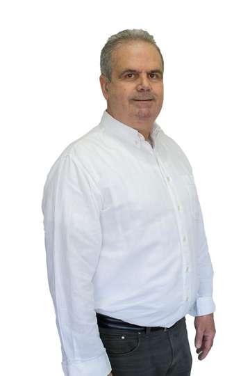 Βασίλειος Μπροστούρης. Οικονομολόγος - Λογιστής M.Sc. Εκπαιδευτής ΙΕΚ Λογιστικής ΙΕΚ Οικονομίας ΙΕΚ PRAXIS.