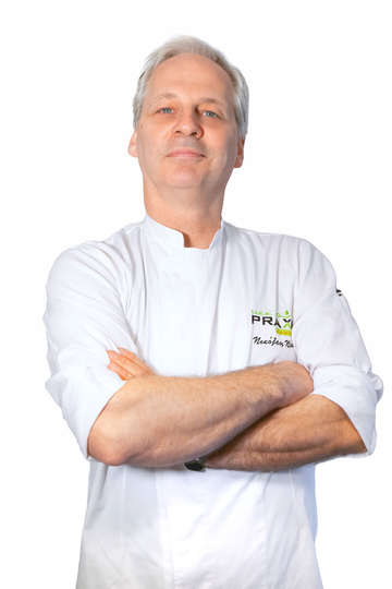 Νίκος Ντάνος. Καθηγητής Μαγειρικής ΙΕΚ PRAXIS. Chef. Διαθέτει πλούσια επαγγελματική εμπειρία στην Ελλάδα και στο εξωτερικό (Ιταλία, Γαλλία).