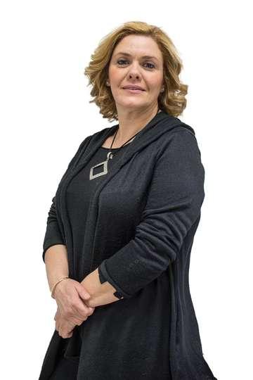 Παναγιώτα Παδιδέκα. Καθηγήτρια ΙΕΚ PRAXIS. Αναπληρώτρια Προϊσταμένη Μικροβιολογικού Εργαστηρίου Γάλακτος - Χυμών της ΔΕΛΤΑ Α.Ε.
