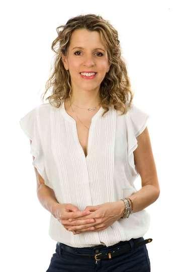 Εβίτα Πατέρα. Καθηγήτρια ΙΕΚ PRAXIS. Ψυχολόγος. Ψυχοθεραπεύτρια στα πλαίσια του προγράμματος Ειδίκευσης στην Γνωσιακή - Αναλυτική Ψυχοθεραπεία.