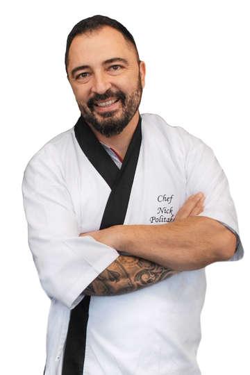 """Νίκος Πολιτάκος. Καθηγητής Μαγειρικής ΙΕΚ PRAXIS. Head Chef """"Kinjo Japanese Restobar"""". Ιδρυτικό μέλος της """"Ελληνικής Ακαδημίας Αρχιμαγείρων""""."""