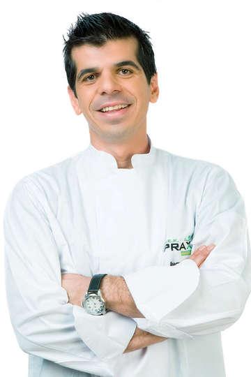 Αχιλλέας Πολίτης. Καθηγητής Μαγειρικής ΙΕΚ PRAXIS. Catering Expressions -La nouvelle Cigale (executive chef). The Ecali Club (consultant chef).