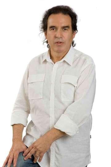 Γιώργος Προβατάς. Καθηγητής ΙΕΚ PRAXIS. (M.Sc.)Οικονομολόγος. Κάτοχος Μεταπτυχιακού Διπλώματος στη Διοίκηση Επιχειρήσεων - Επιχειρησιακή Έρευνα & Μάρκετινγκ