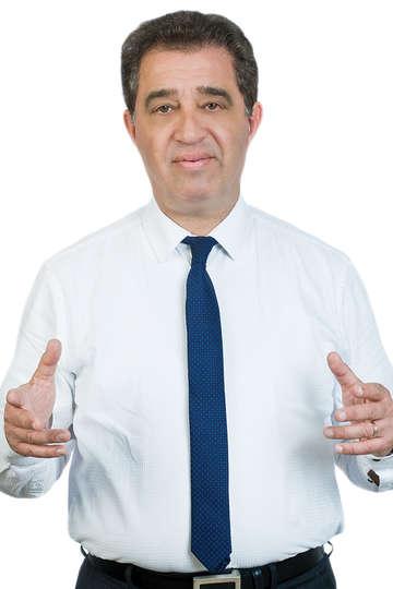 Χρήστος Ριφιώτης. Καθηγητής ΙΕΚ PRAXIS. Δρ. Ορθοπεδικός & Φυσικοθεραπευτής. Διδάκτορας της Ιατρικής Σχολής του Πανεπιστημίου Αθηνών.