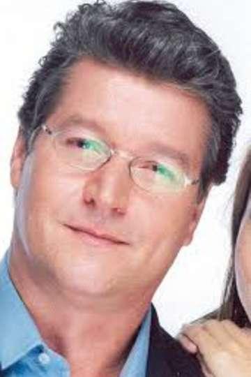 Αντώνης Κοκορίκος. Καθηγητής ΙΕΚ PRAXIS. Επαγγελματίας Δημοσιογράφος μέλος της ΕΣΗΕΑ. Πολιτικός συντάκτης και ραδιοφωνικός παραγωγός σε ΜΜΕ.