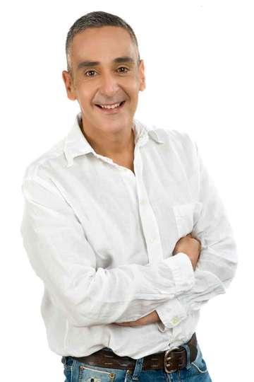 Αντώνης Σπλινής. Καθηγητής Τουριστικών Επαγγελμάτων του ΙΕΚ PRAXIS. Απόφοιτος Διοίκησης Τουριστικών Επιχειρήσεων (ΤΕΙ Πατρών).
