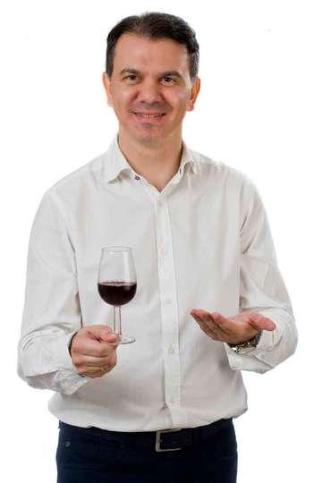 Γεώργιος Τσαπουρνιώτης. Καθηγητής ΙΕΚ PRAXIS. Οινολόγος. Τμήμα Οινολογίας & Τεχνολογίας Ποτών, της Σχολής Τεχνολογίας Τροφίμων και Διατροφής (ΤΕΙ Αθηνών).