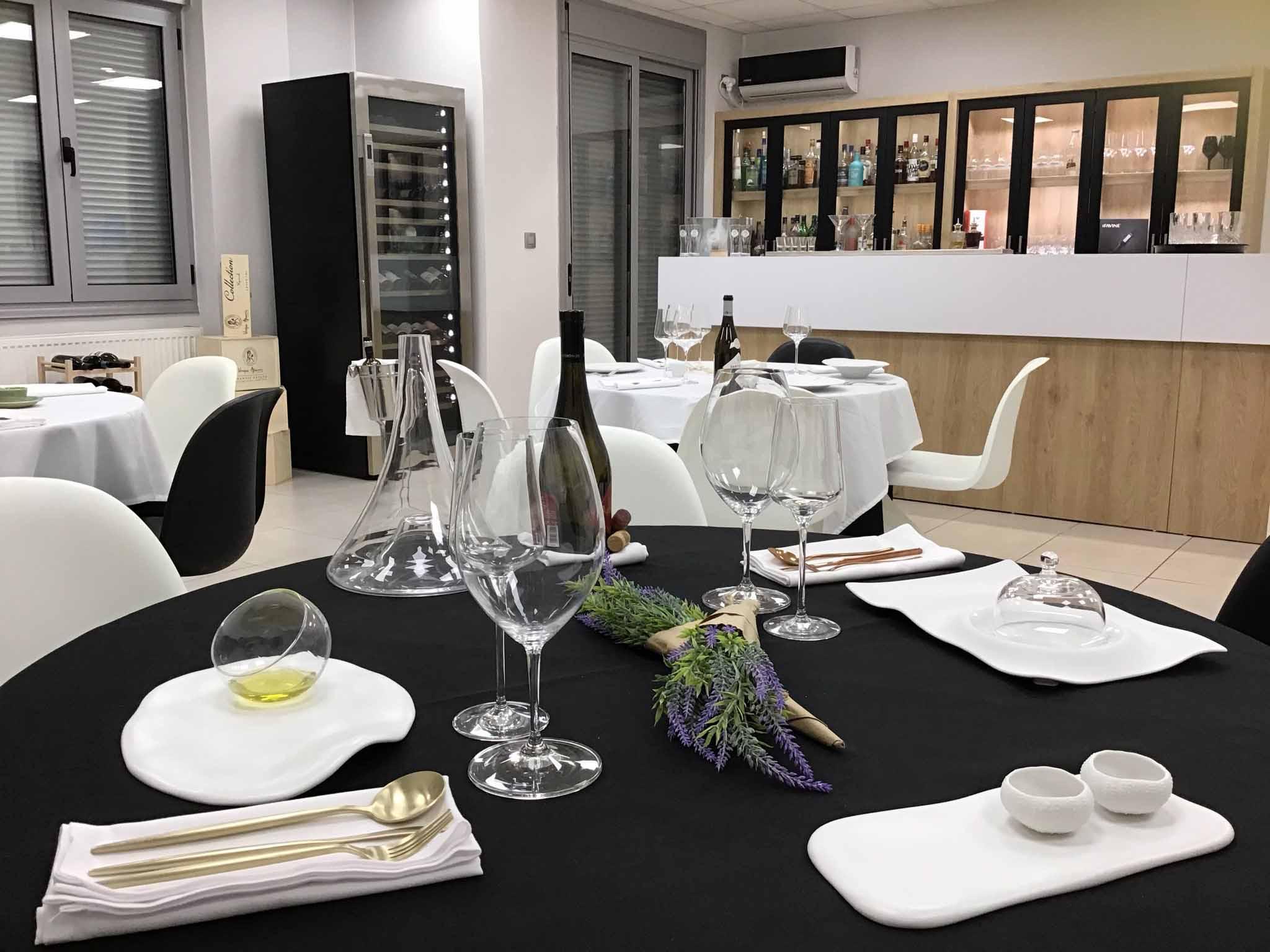 Bartending – Coctails' Bar – Restaurant Service