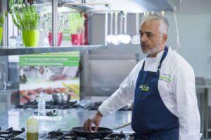 Ο Executive Chef Αγγελος Λάντος 2*Michelin